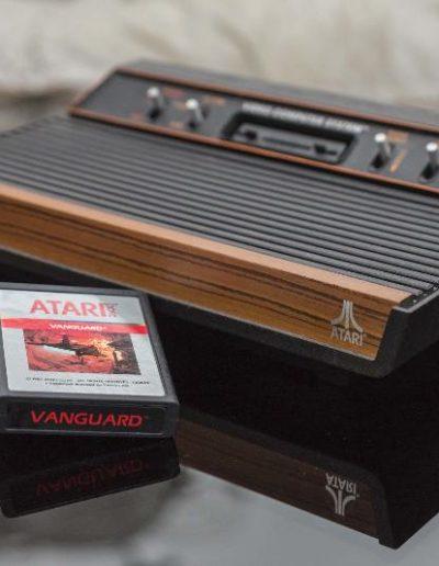 Atari Konsole mit Vanguard Kassette